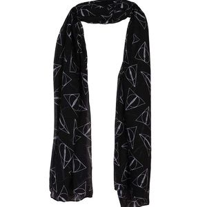 Harry Potter Deathly Hallow Scarf Black & White
